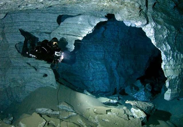 TDI Cavern Diver